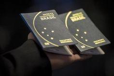 Emissão de passaporte exigirá menos documentos a partir de dezembro O governo federal informou nesta quarta-feira (29), que, a partir do dia 1º de dezembro, os cidadãos não precisarão levar alguns documentos no momento da emissão de passaportes. De acordo com a subchefe de articulação e monitora...