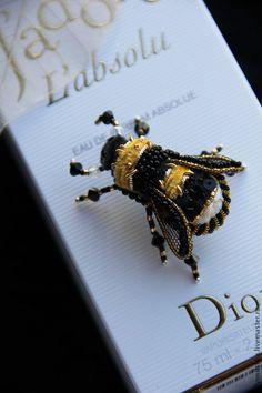 Primavera in Italia` Insect Jewelry, Wire Jewelry, Beaded Jewelry, Jewellery, Brooches Handmade, Handmade Jewelry, Unique Jewelry, Or Noir, Beautiful Bugs