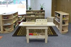 About creating adaptable and useable spaces for flexible use by toddlers Learning Spaces, Learning Environments, Preschool Classroom, Classroom Ideas, Ece Courses, Reggio Inspired Classrooms, Preschool Furniture, Kindergarten Projects, Family Child Care