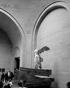 Todos sabem que Paris respira cultura e um dos símbolos mais lembrados no mundo é o Louvre. Não quer perder nenhuma oportunidade? Clique aqui.