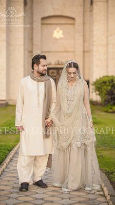 White Engagement Dresses, Pakistani Engagement Dresses, Pakistani Wedding Outfits, Pakistani Bridal Wear, Pakistani Wedding Dresses, Indian Dresses, Bridal Mehndi, Latest Bridal Dresses, Bridal Outfits