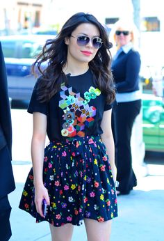 Wear Miranda cosgroves outfit,just a navy blue shirt (plain or with designs) and navy blue floral skirt ;)