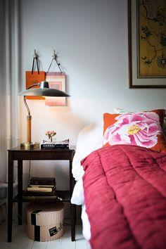 sovrum sangbord sanglampa rosa overkast