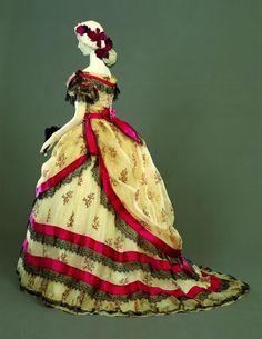 Evening dress, 1869 From the Palazzo Pitti via Cultura Italia