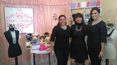 """To Shine® en América Televisión - TN """"Mis Tres Marías"""" - Izq. a der.: Julia Thays (""""Dora""""), Rocío Segura (Diseñadora de To Shine®) y Fiorella Díaz (""""Pámela, diseñadora y empresaria de accesorios en la TN)."""