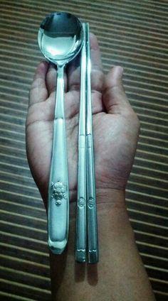 Korea spoon +chopstick 1set = 199 bath ..Line ID(Fuya_ben) : 295051