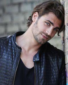 Handsome Faces, Most Handsome Men, Handsome Boys, Romanian Men, Grunge Guys, Eye Candy Men, Michaela, Charming Man, Stylish Boys