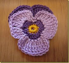 Crochet Flowers Easy - DIY Crochet Violet Flower Free Pattern Detailed Tutorial, English Pattern available, crochet pansy flower for fashion, accessory and home. Diy Crochet Flowers, Crochet Simple, Crochet Puff Flower, Crochet Diy, Crochet Motifs, Crochet Flower Patterns, Crochet Crafts, Yarn Crafts, Crochet Projects
