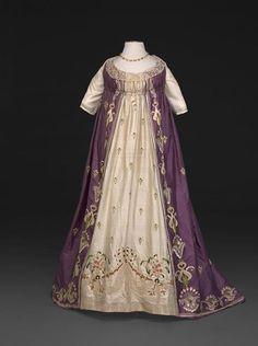 Evening dress ca. 1798-1800From the DAR Museum