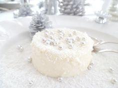 White christmas cake via White & Shabby