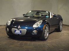 You don't see a lot of them, but this 2006 Pontiac Solstice is sharp.