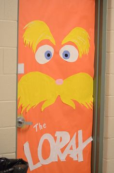 OVER 15 Dr. Seuss Door Decorating Ideas from The Lemonade Stand: Dr. Seuss Tour of Doors