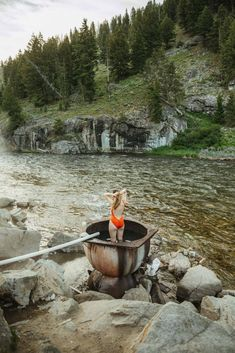 Situated on the Salmon River, Boat Box Hot Springs is a single-tub hot springs near Stanley, Idaho just waiting to be visited! We're giving you all the details and more here, including the best times to visit, what to pack, and sharing what it's like to come in different seasons! #idaho #hotsprings #stanleyidaho #Roadtrip #summer #hiking #camping #salmonriver #boatbox #mountains #travel #USAtravel #usa #photography #sunset #stanley Canada Travel, Travel Usa, Stanley Idaho, Idaho Hot Springs, Sawtooth Mountains, Craters Of The Moon, What Is Like, Pacific Northwest, Day Trips