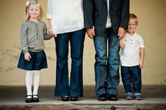 Suggestions: What to wear for a family photo.
