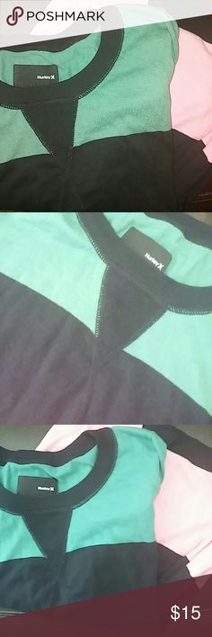 Hurley sweater size M This sweater is very thin and in great condition...100%cotton ...great for chilly fall weather. Hurley Sweaters Crew & Scoop Necks