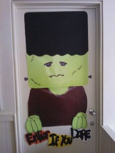1000 images about puertas halloween on pinterest - Puertas decoradas halloween ...
