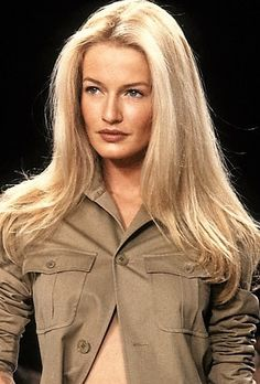 Karen Mulder - Ralph Lauren Runway Show. 1997