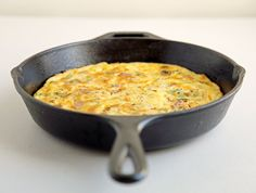 Get your brunch on with an easy-breezy-cheesy bacon, cheddar, and leek frittata.