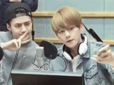 Sukira 150407 : Kiss the Radio - Sehun and Baekhyun (3/4)