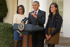 "Barack Obama, America's Chillest Dad, Says He's ""Relaxed"" About His Daughters Dating"