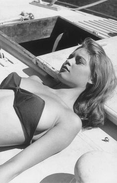 "lespetroleuses: ""Lovely BB taking a sunbath"" Brigitte Bardot in ""The Bikini Girl"" (Manina, fille sans voile), 1952 Classic Hollywood, Old Hollywood, Divas, Steeve Mcqueen, Star Francaise, Bridget Bardot, Brigitte Bardot Bikini, Deneuve, French Actress"
