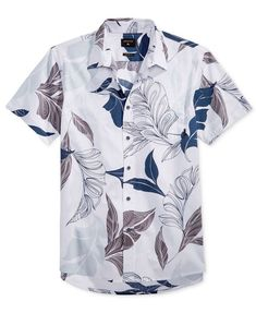 Quiksilver adds a note of breezy tropical style with this cool graphic-print button-down. Stylish Men, Men Casual, Cool Outfits For Men, Camisa Polo, Summer Shirts, Collar Shirts, Fashion Prints, Casual Shirts, Menswear