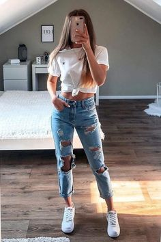 outfits with sweatpants * outfits ` outfits for school ` outfits with leggings ` outfits with air force ones ` outfits aesthetic ` outfits casuales ` outfits for summer ` outfits with sweatpants ` Spring Outfits Classy Summer Outfits, Summer Outfits For Teens, Cute Comfy Outfits, Cute Teen Outfits, Teen Fashion Outfits, Teenager Outfits, Stylish Outfits, Fall Outfits, Summer Clothes