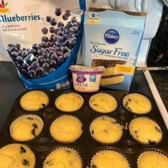 2 Point Weight Watchers Blueberry Muffins With Classic Yellow Cake Mix, Fresh Blueberries, Greek Yogurt, Water Weight Watcher Desserts, Weight Watchers Snacks, Muffins Weight Watchers, Petit Déjeuner Weight Watcher, Plats Weight Watchers, Weight Watchers Meal Plans, Weight Watchers Breakfast, Weight Watchers Smart Points, Weight Watchers Blueberry Muffins Recipe