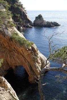 Rincones de nuestra Costa Brava, en un dia de calma   Girona Catalonia