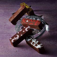 クラシカルな伝統菓子を、スタイリッシュに。【バレンタインデー届け専用】【高島屋限定】バトン ショコラ ガトークラシック 2016T
