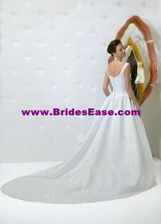 Style F8156 » Wedding Gowns » DaVinci Bridal » Available Colours : Ivory, White (back)