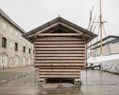 Nicolai Bo Andersen Arkitekt Log Wall, House In The Woods, Beautiful Space, Wood Design, Pavilion, Facade, Wood Houses, Exterior, Explore