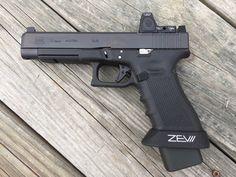 New Glock 34 MOS with RMR. Weapons Guns, Guns And Ammo, Shotguns, Firearms, Glock Sights, Zombie Guns, Best Handguns, Indoor Shooting Range, Battle Rifle