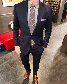 Male Grey Shirt Tie And Pocket Square With Navy Blue Suit Brown Shoes Style Best Mens Fashion, Mens Fashion Suits, Men's Fashion, Fashion Guide, Mens Suits Style, Fashion Advice, Fashion Clothes, Fashion Rings, Fashion Ideas