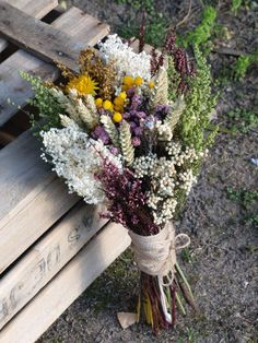 We coming to take our new collection Rustic Flowers, Dried Flowers, Purple Flowers, Rustic Bouquet, Fresh Flowers, Floral Bouquets, Wedding Bouquets, Floral Wreath, Wedding Dresses