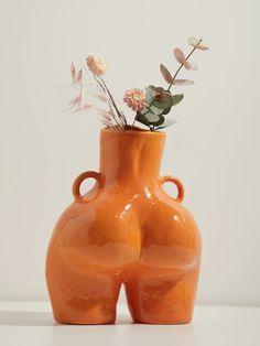 Fantastic Snap Shots Ceramics Vase with handles Ideas Love Handles ceramic vase Ceramic Vase, Ceramic Pottery, Love Handles, Blooming Flowers, Centre Pieces, Candlesticks, Art Pieces, Female Form, Vogue Paris
