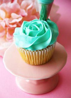 Cupcakepedia | Encyclopedia of cupcakes, a million cupcake photos, art of cupcakes, recipes of cupcakes.