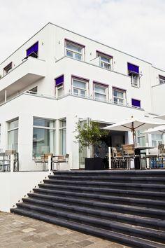 Side view of boutique hotel Vesper in Noordwijk aan zee