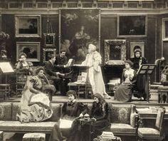 Queen Elizabeth of Romania Queen Mary, Queen Elizabeth, Old Time Photos, Amen, Queens, Europe, Shelf, Artist, Thea Queen