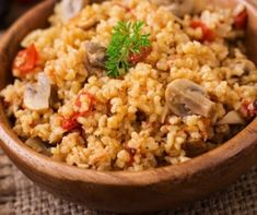Trying to eat healthy? Research says: plate or bowl? How To Build a Healthy in 5 easy layers. Wheat Free Recipes, Gf Recipes, Healthy Recipes, Clean Eating, Healthy Eating, Recipes From Heaven, Group Meals, Fried Rice, Meals For One