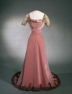 omgthatdress:  Evening Dress 1906-1908 Nasjnalmuseet for Kunst, Arketektur, og Design
