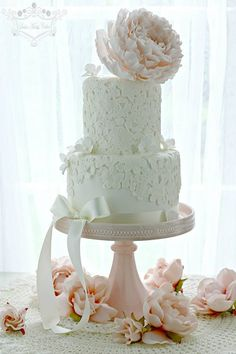 Exquisite Wedding Cakes - MODwedding