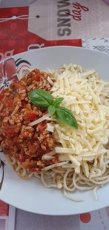 Olasz paradicsomos tészta, kicsit másképp Spaghetti, Pizza, Ethnic Recipes, Food, Red Peppers, Essen, Meals, Yemek, Noodle