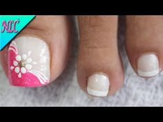 DISEÑO DE UÑAS PARA PIES FLOR SENCILLA - FLOWERS NAIL ART - NLC - YouTube Wow Nails, Nails Now, Cute Toe Nails, Pedicure Nail Art, Toe Nail Art, Manicure, Nail Art Designs Videos, Toe Nail Designs, Feet Nail Design