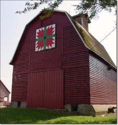 Barn Quilts. I always wanted to paint one on the barn I look at out my doorwall. Think they would let me do that????  :-)