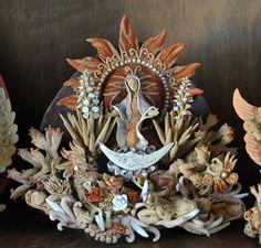 Virgin of Guadalupe. Ceramic sculpture by Angelica Vazquez of Santa Maria Atzompa, Oaxaca Mexico Mexican Crafts, Mexican Folk Art, Santa Maria, Mexican Ceramics, Mexican Designs, Clay Projects, Our Lady, Ceramic Art, Sculpting