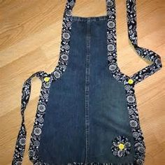 Recycled denim apron. I don't ever wear an apron but I probably should ...
