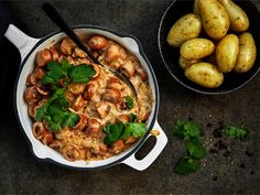 Nopea nakkikastike | Valio Paella, Cooking Recipes, Tasty, Koti, Ethnic Recipes, Ideas, Chef Recipes, Thoughts
