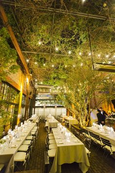 stunning wedding reception with magical candle lights; photo: Bo and Daniel of CLY by Matthew