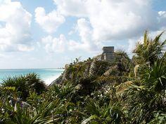Tulum, Mexique. Un site maya superbe au bord de la mer des caraïbes - El Castillo.  http://vhukalo.wordpress.com/